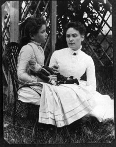 Helen_Keller_with_Anne_Sullivan
