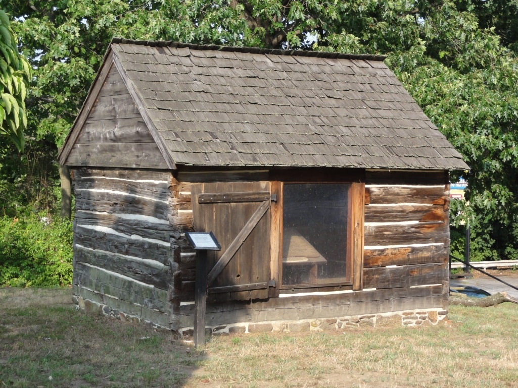 Historic log cabins of america 39 s past hankering for history for Colonial log homes