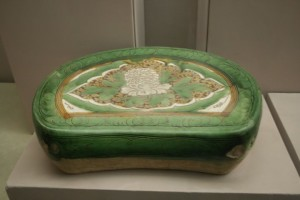 chinese-porcelain-pillow