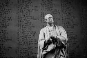 isaac_newton_statue